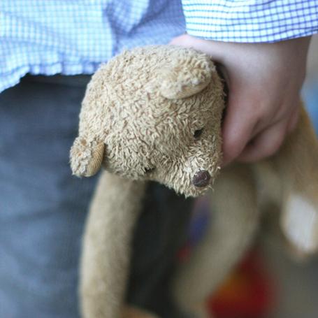teddybeer en kind